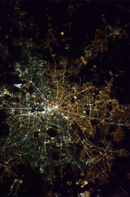 Berlin éjszaka (berlin, űrfelvétel, éjszaka, kivilágítás, )
