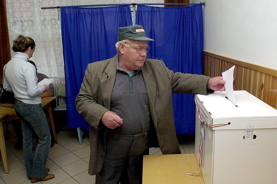 Előrehozott önkormányzati választás (Választás, Urna, Szavazás)