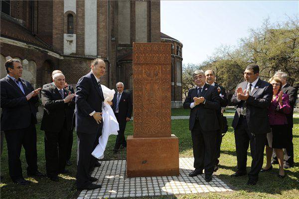Örmény emlékmű Szegeden (Örmény emlékmű Szegeden)