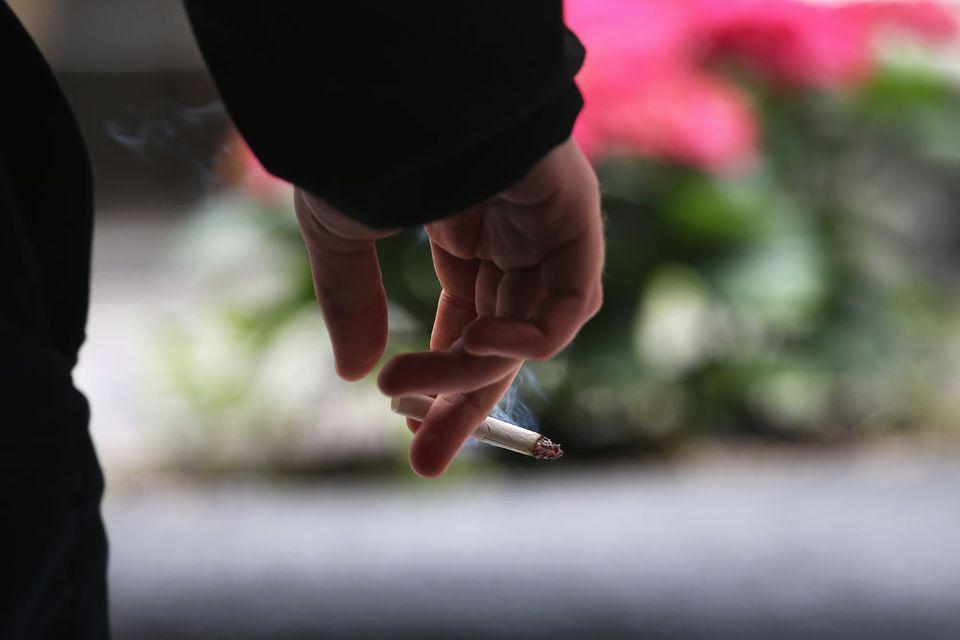 cigaretta (cigaretta, dohányház, trafiktörvény)