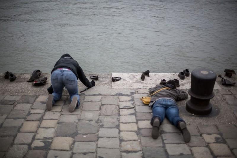 holokauszt emlékmű cipők (holokauszt emlékmű, cipők, túristák)