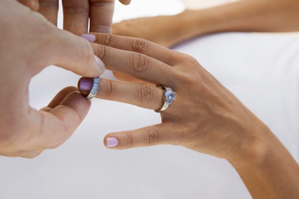 jegygyűrű (jegygyűrű, )