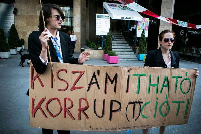 korrupció (korrupció)