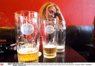 részeg nő (részeg, ittas, részeg nő, )