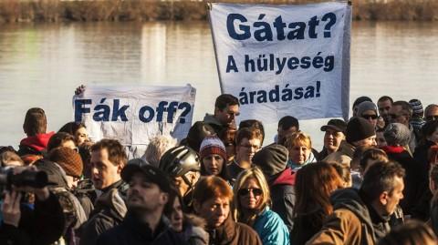 római-part tüntetés (római-part, mobilgát, )