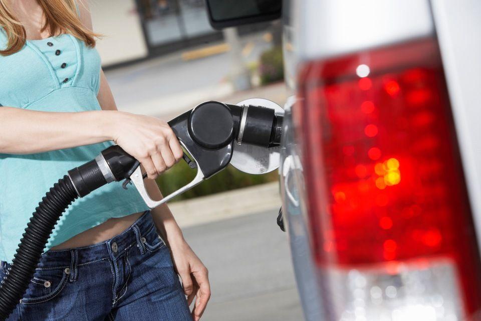 tankolas(210x140)(8).jpg (benzin, üzemanyag, )