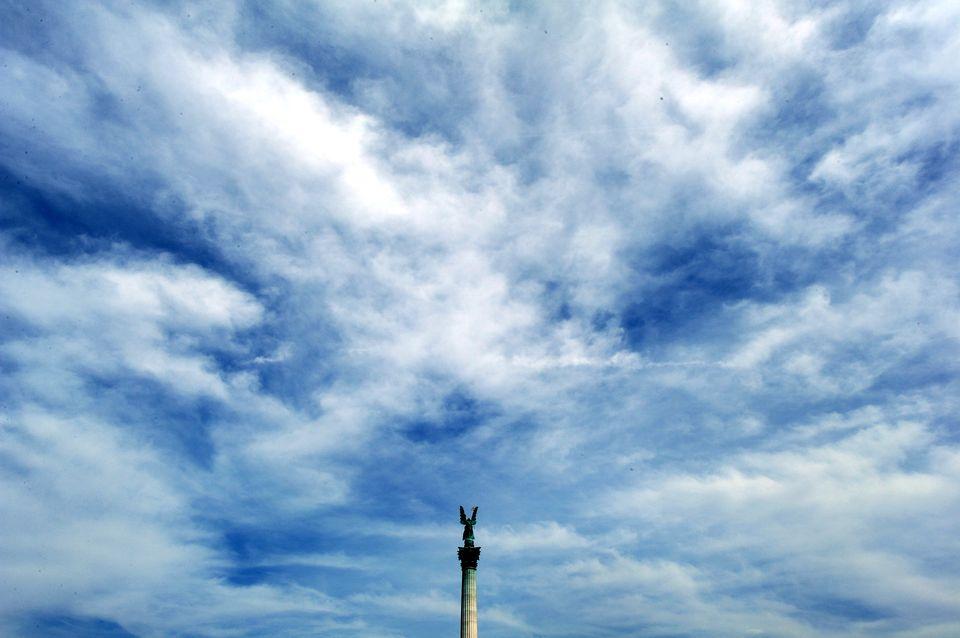 Felhok-Budapesten(960x640)(1).jpg (budapest, felhők, hősök tere, )