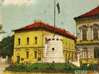 Orszagzaszlo-Szegeden(210x140)(1).jpg (Országzászló Szegeden)