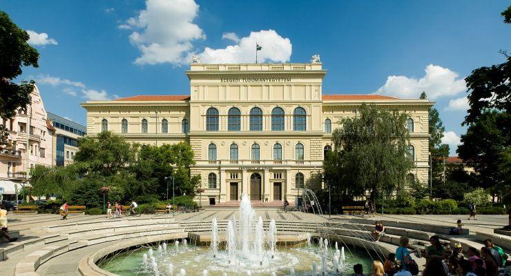 SZTE Szegedi Tudományegyetem (SZTE Szegedi Tudományegyetem)
