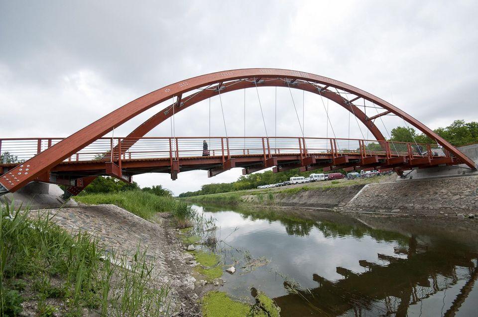 híd (híd)