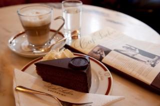 kávé (kávé, torta, )