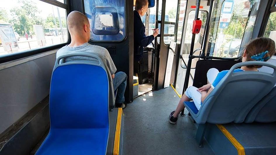 vandálbiztos ülések a buszon (vandálbiztos ülés, bkk, busz, )