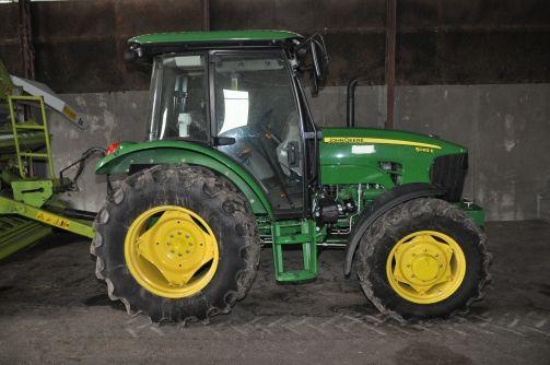 Ellopott traktor (Ellopott traktor)