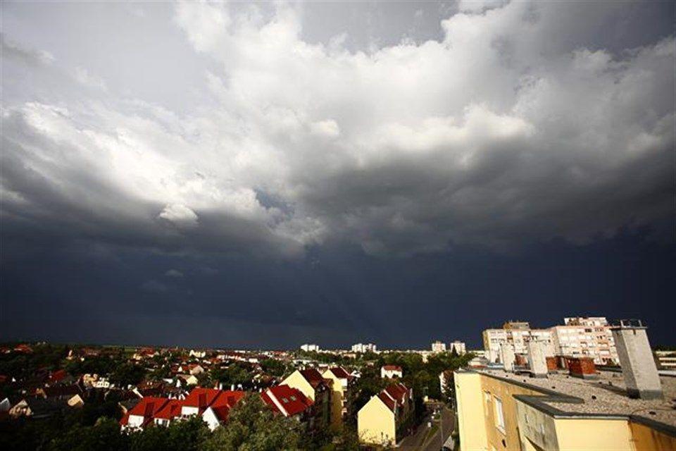 Esofelhok(960x640)(1).jpg (esőfelhők)