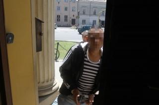 Halálos drog fogyasztása (R. Szilveszter érkezése a bíróságra a székesfehérvári drogos halálesetekkel kapcsolatban)