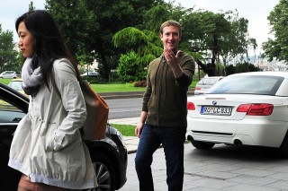 Mark Zuckerberg  (Mark Zuckerberg )
