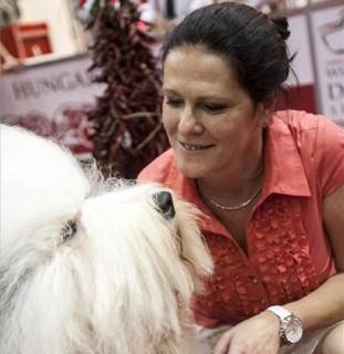 Vörös Zsuzsa (vörös zsuzsa, vörös zsuzsa kutyája, )