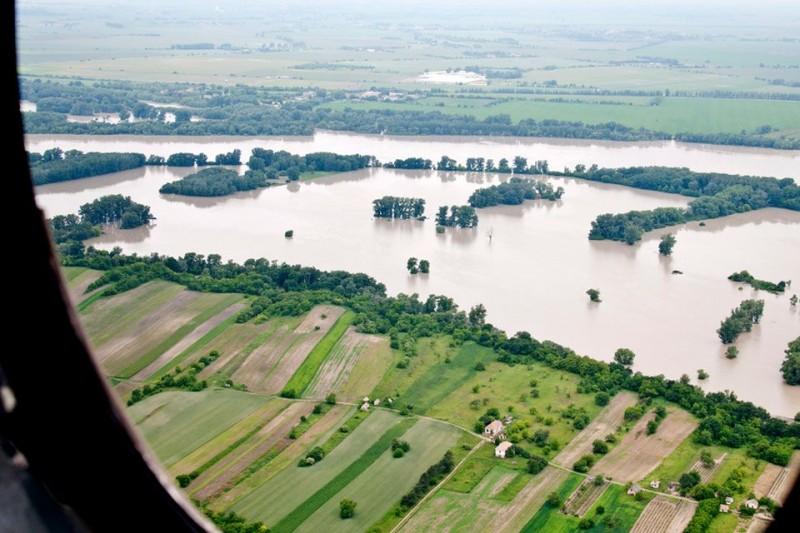 árvíz (áradás, )
