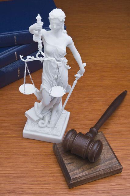 bíróság (ítélet, )