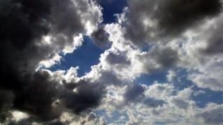 felhős (felhős)