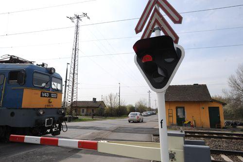 vasúti átjáró (vasúti átjáró, )
