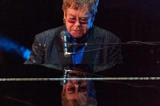 Elton John (Elton John)