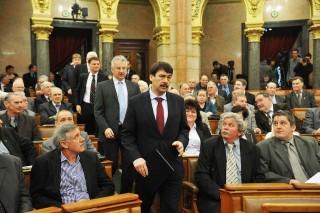 áder a parlamentben (áder jános, parlament, )