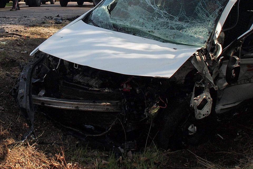baleset-autóroncs (ingyenes, vágott)