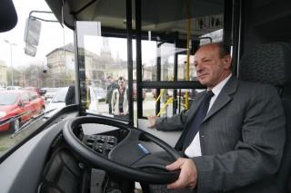 buszvezető (buszvezető, sofőr, )
