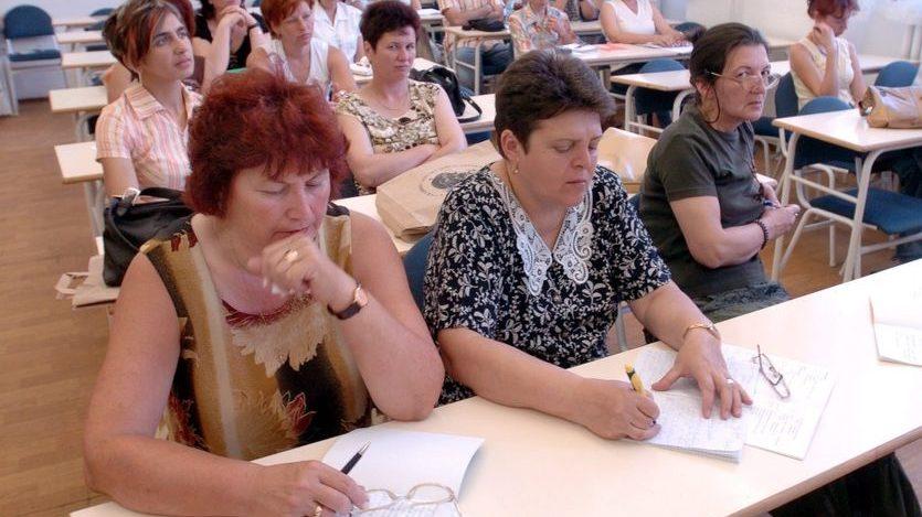felnőttképzés (tanterem, felnőttképzés, tanárok, iskola,)