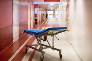 kórház (hordágy, )