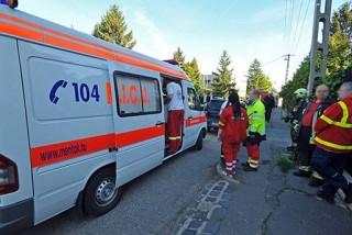 mentoauto(210x140)(10).jpg (mentő, mentőautó, )