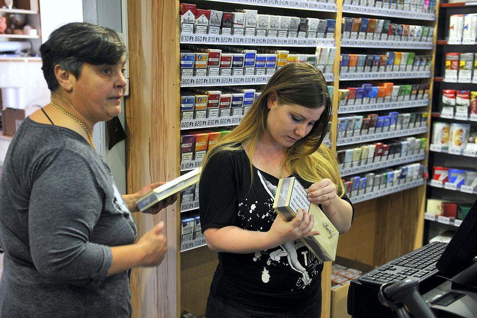 nemzeti dohánybolt (nemzeti dohánybolt, trafik, cigaretta, )