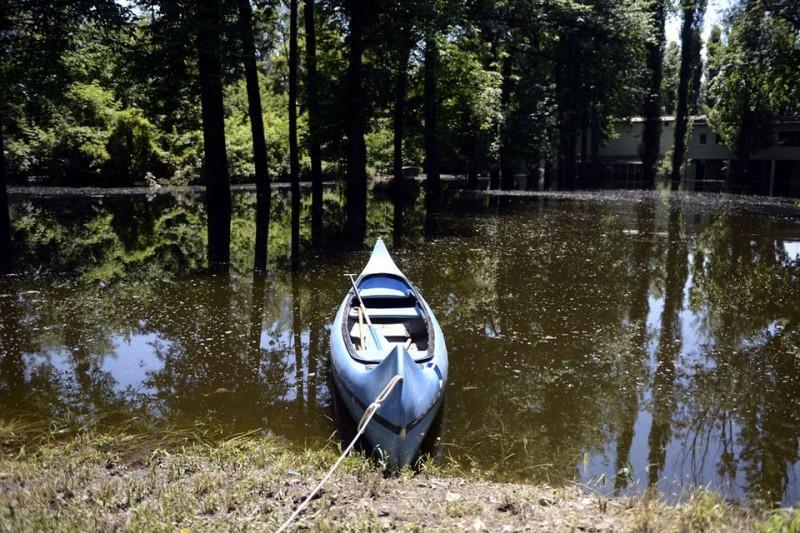 nepsziget-arviz(960x640)(1).jpg (népsziget, árvíz, kenu, csónak, )