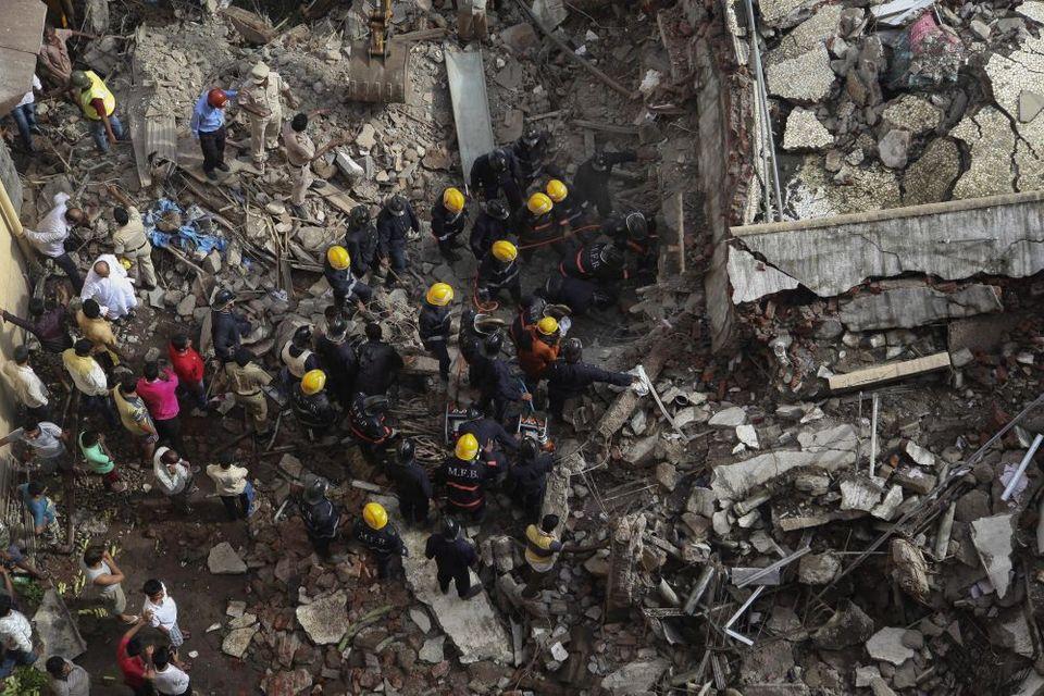összedőlt épület indiában (összedőlt épület, romok, )