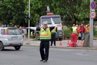 rendőri irányítás (forgalomirányító)