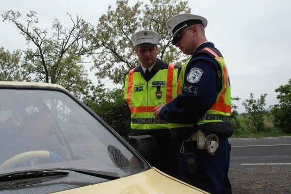 rendőrök (ellenőrzés, )