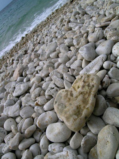 tengerpart-kovek(960x640)(2).jpg (kövek, tengerpart, )