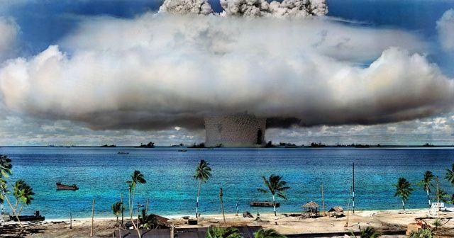 Atomrobbantás a Bikini-szigeteken (atombomba)