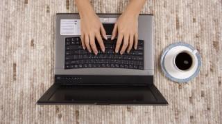 Az-okosabbak-tavmunkaval-mentik-a-menthetot(430x286)(1).jpg (munka, távmunka, laptop,)