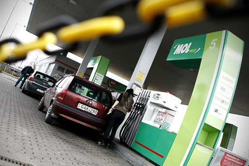 Benzinkut(960x640)(1).jpg (benzinkút)
