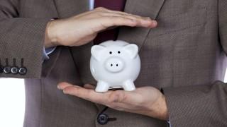 Még mindig visszafogják a vállalkozások a beruházásokat (vállalkozás, persely, vállalkozó,)