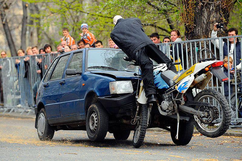 Motorbaleset (motorbaleset, autó, )