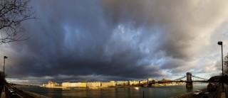 felhos-Budapest(210x140)(1).jpg (felhő, vihar Országház, Lánchíd, hidegont)