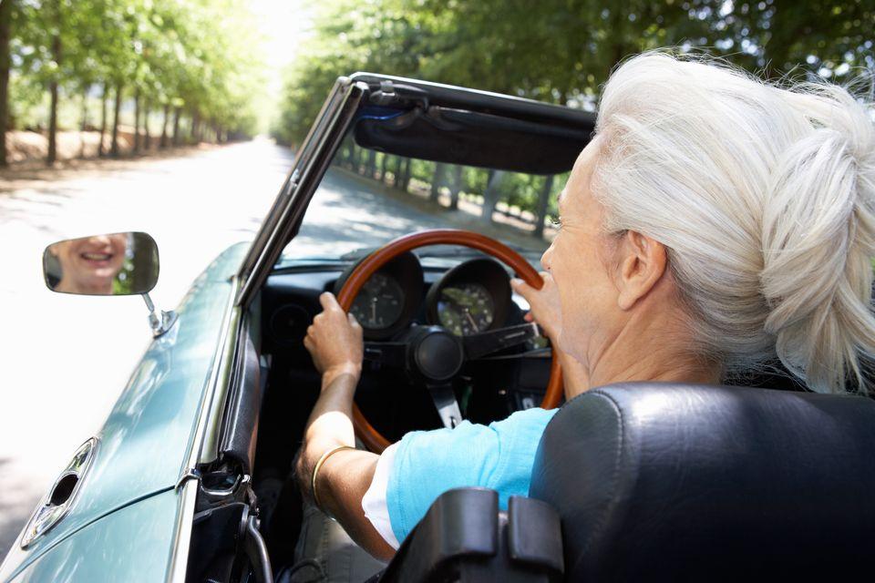 idős nő vezet (vezetés, idős, )