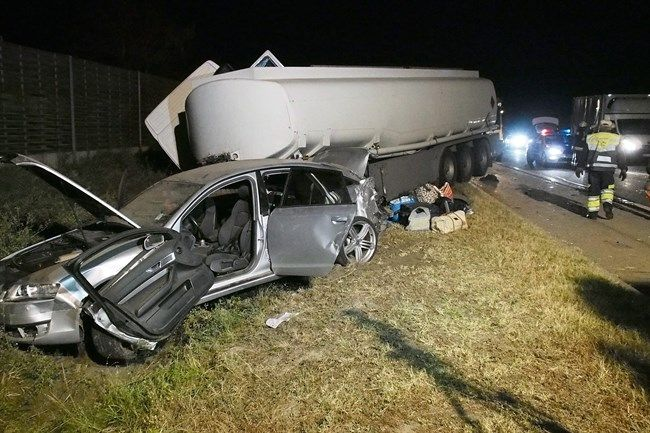 kecskemeti-baleset-(650x433).jpg (baleset, kamionbaleset, roncs, )