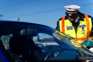 közúti ellenőrzés (közúti ellenőrzés, rendőr, )