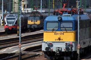 mav-vonat(210x140)(2).jpg (máv, vonat, )