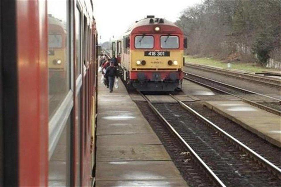 vonat(1)(960x640)(1).jpg (vonat)