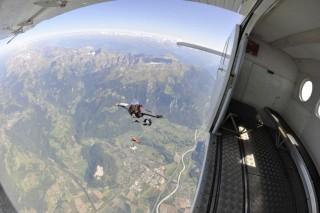 wingsuit (szárnyasruha, )